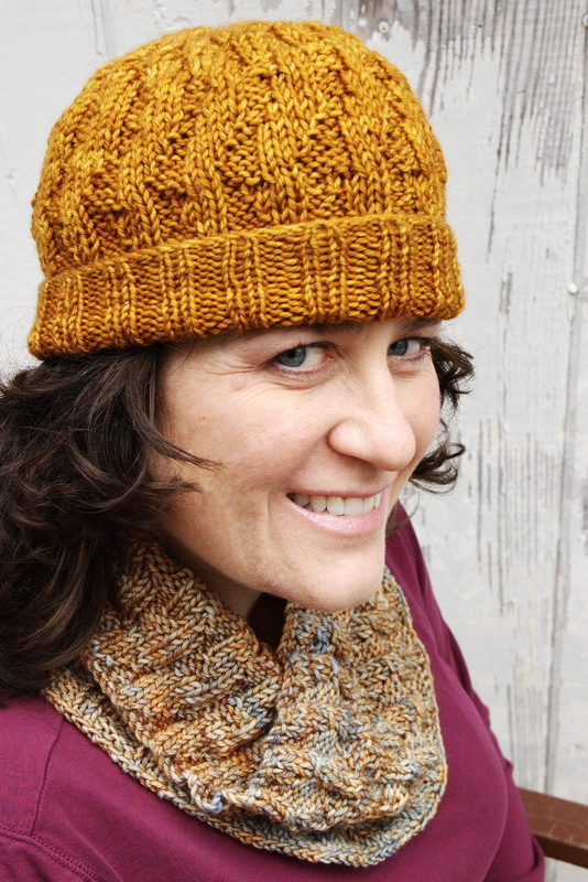 Hand knitted easy hat and cowl set