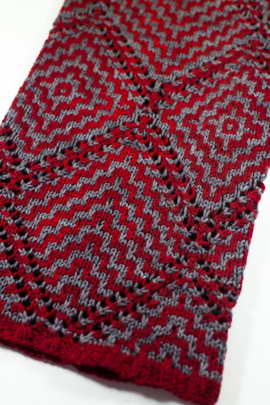 Sardaukar: Two color mosaic lace cowl by Barbara Benson